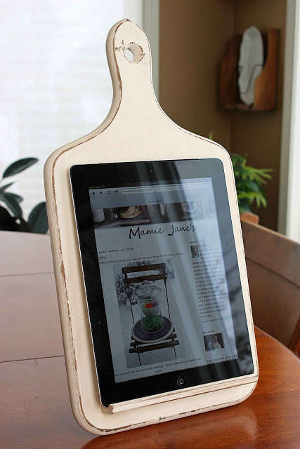 DIY Tablet Holders - Save Some Funds With This 'Mamie Janes' Craft Instead of Going to the Store