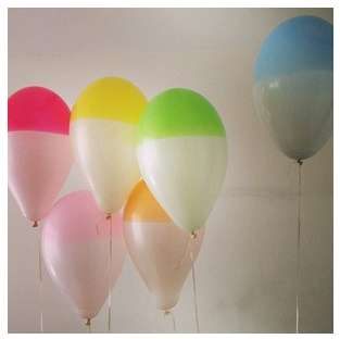 These Marusa Balloons Feature Two Colors on One Buoyant Balloon