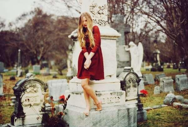 13 Spooky Graveyard Fashion Spreads