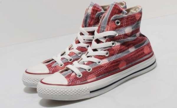 14 Playfully Plaid Footwear Styles