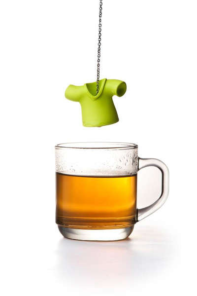 T-Shirt Tea Infusers - The Tea Shirt by Qualy Uses a Tee to Infuse Your Tea
