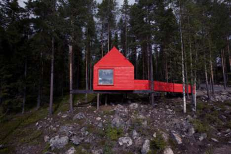 Red Treehouse Accommodations