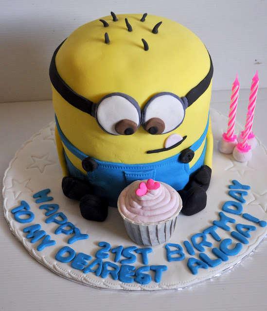 52 Customized Birthday Cakes