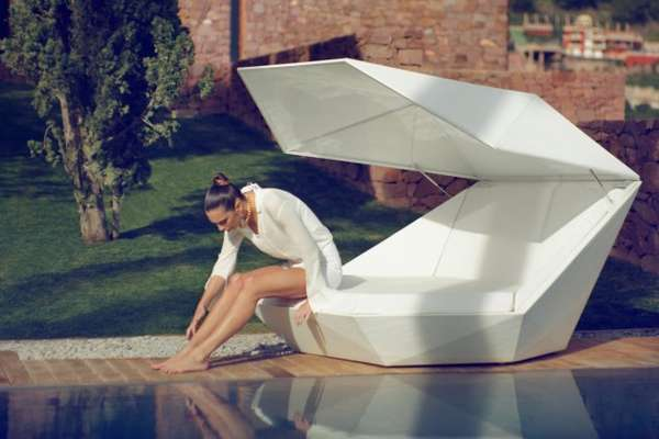 17 Luxurious Outdoor Loungers