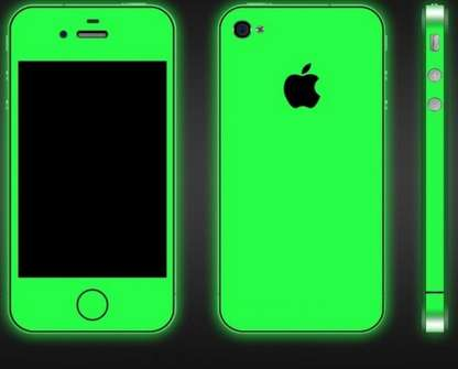 Luminescent Smartphone Cases - This iPhone 5 Glow-in-the-Dark Case from iGlow Makes Your Phone Shine