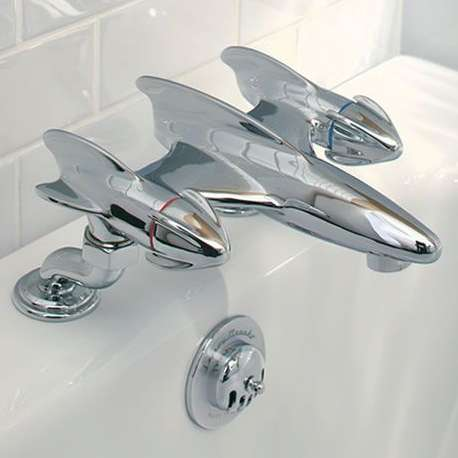 Plane-Shaped Water Dispensers