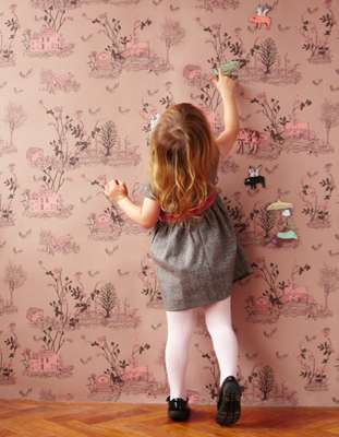 Playful Magnet Wallpaper  - The Magnetic Wallpaper by Sian Zeng Allows Kids to Customize Their Room
