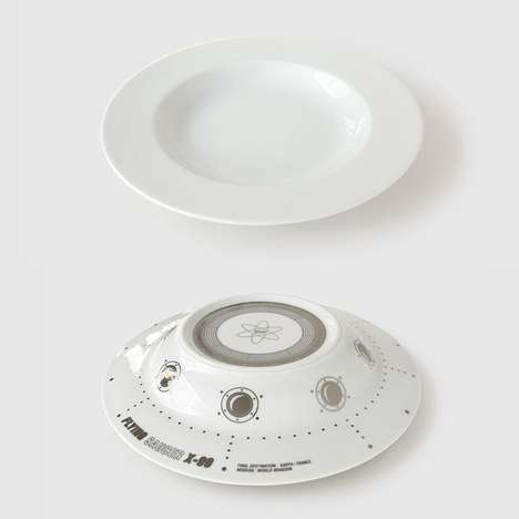 The Flying Saucer Soup Plate Makes Eating Out of This World