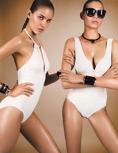 43 Tantalizing Twin Photo Shoots