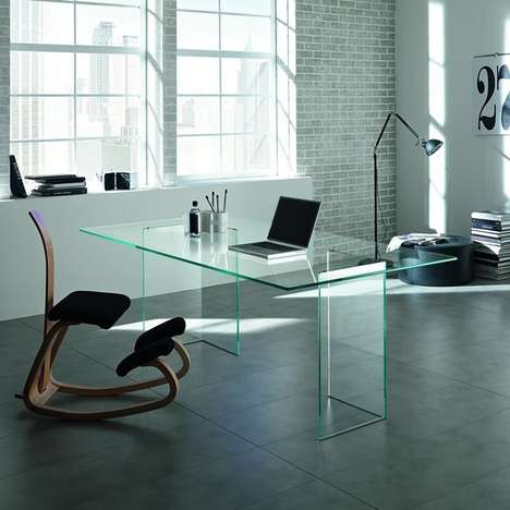 Minimalist Transparent Tabletops - Tonelli Bacco's Glass Table Combines Aesthetics and Simple Design