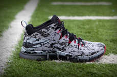 8-Bit Running Sneakers - The Nike Free Trainer 7.0 is in Honor of Warren Sapp