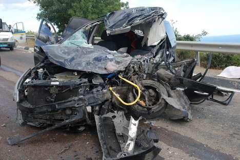 Crowdsourced Car Crash Installations