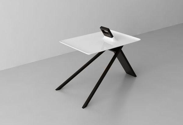41 Three-Legged Furniture Pieces