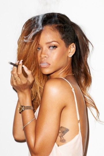 23 Tempting Rihanna Photoshoots