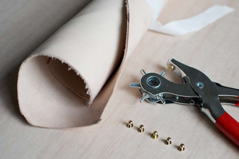 Minimalist DIY Purses - The DIY Leather Clutch is an Easy to Make Gift Idea for Christmas