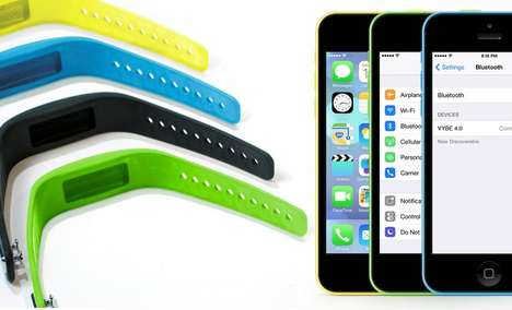 The Vybe Smartphone Bracelet Notifies Updates From Your Phone