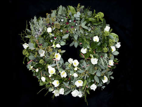 $5 Million Christmas Decorations - The World's Most Expensive Christmas Wreath is Strung with Rubies