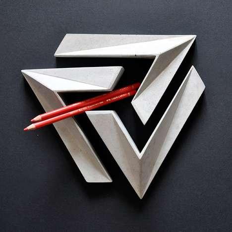 Illusory Triangular Trivets