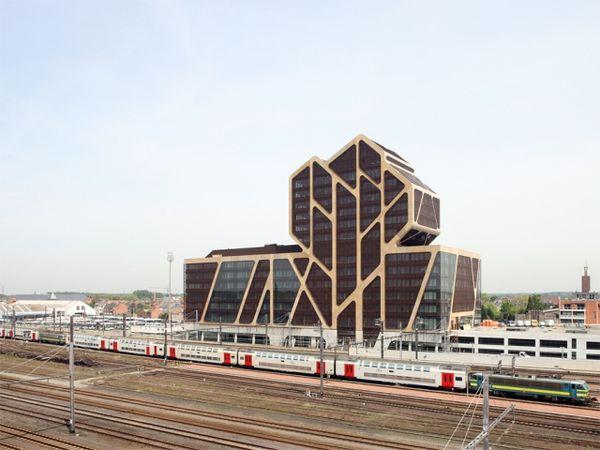 10 J. Mayer H. Architecture Feats