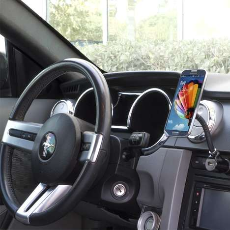 Gadget-Mounting Car Devices - CES 2014: Scosche's 'magicMOUNT' Device Securing System