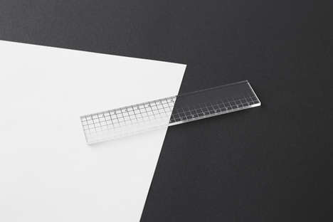Invisibly Contrasted Rulers