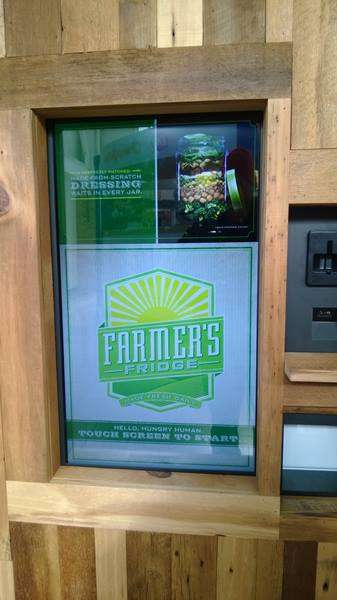 Fresh Food Vending Machines - The Vending Machine Farmer's Market Makes it Easy to Eat Well