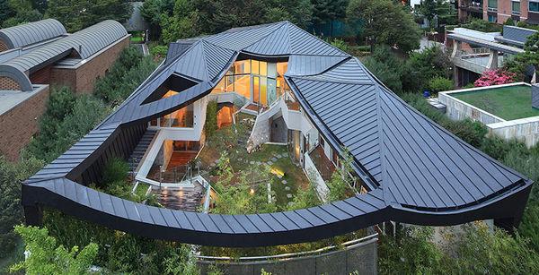42 Luxuriously Lavish Homes