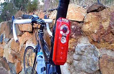 Behavior-Monitoring Bicycle Cameras - The Fly6 Captures the Behavior of People Around the Rider