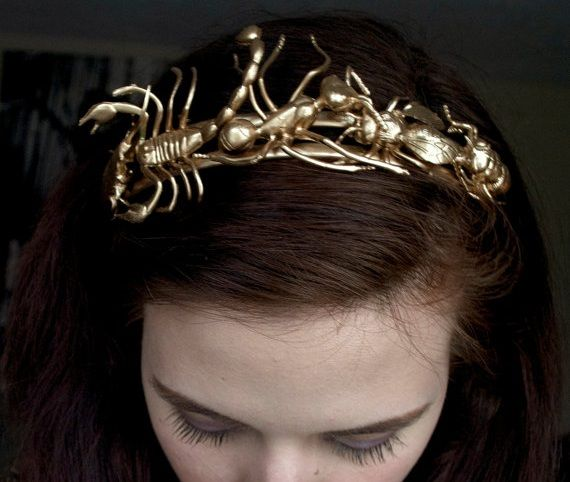 11 Glamorously Golden Hair Accessories