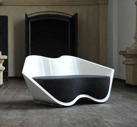 Lip-Shaped Seating - The Flirt Sofa by Ryszard Manczak is Curvaceously Seductive