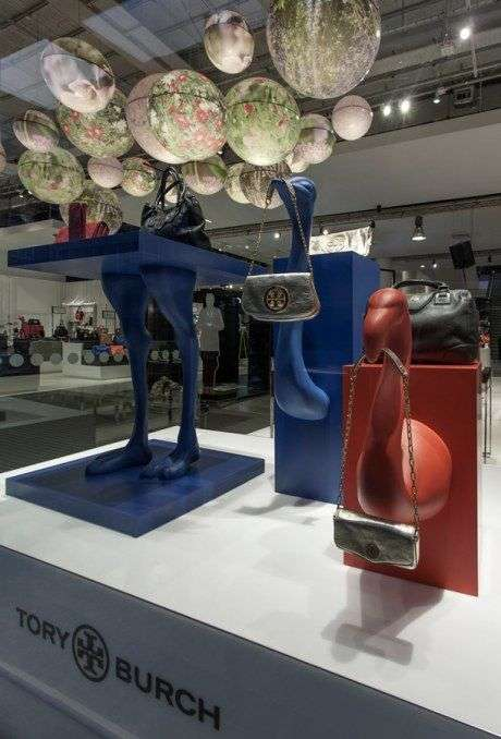Avian-Inspired Accessory Displays