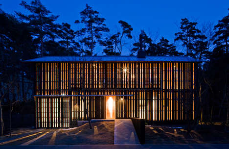 Retractable Wood Housing