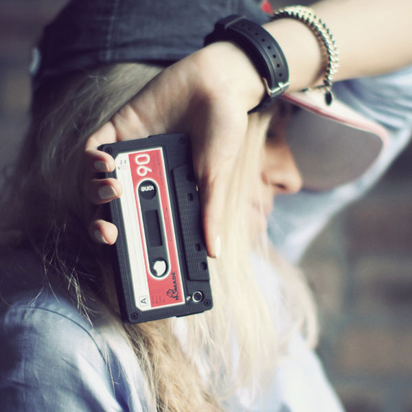 100 Accessories for Nostalgic Mobile Users