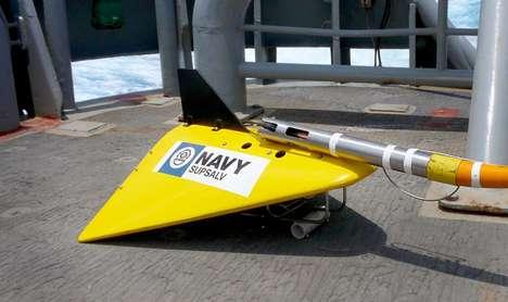Underwater Device-Tracking Microphones