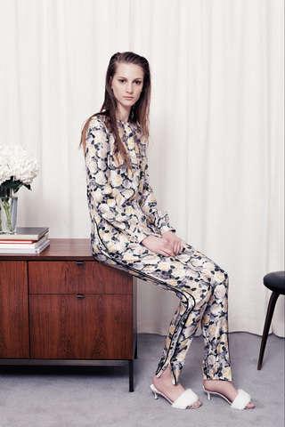 Loose-Fitting Ladylike Fashion