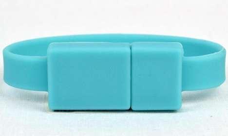 Clasped USB Cuffs
