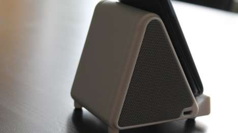 Pyramidal Wireless Speakers