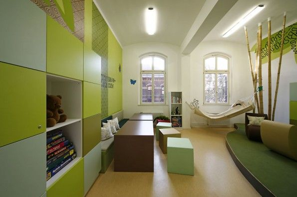 10 Modernized Clinic Designs