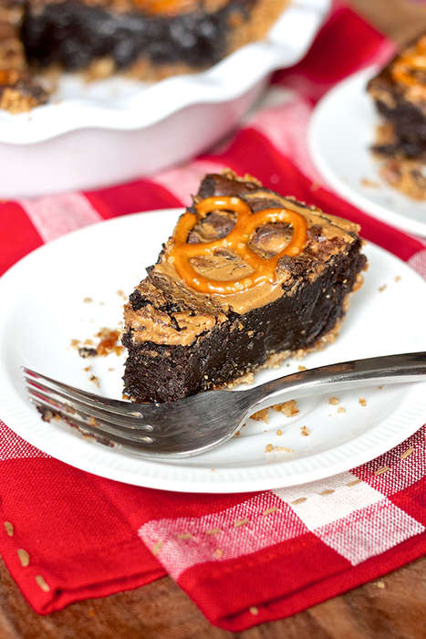 Pretzel Brownie Pies