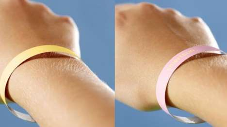Sun-Sensitive Wristbands - The Smartsun Wristband Turns Pink When You've Been in the Sun Too Long