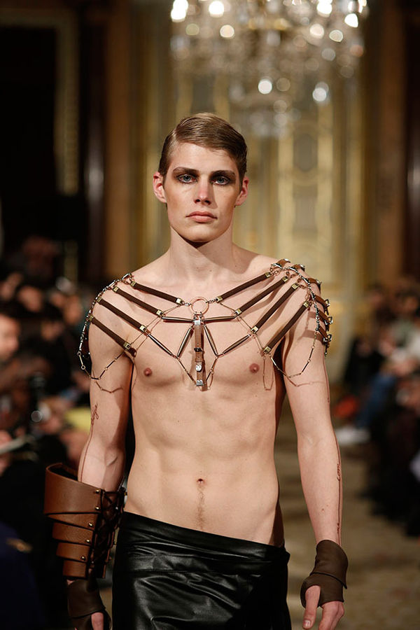 26 Bold Body Chain Accessories