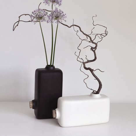 Reversible Vase Decor