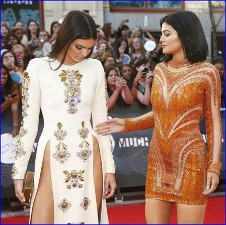 Hipbone-Baring Dresses