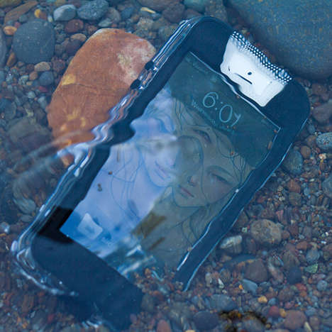 Watertight Phone Sheaths - The Safe5 Waterproof iPhone Case Protects your Device without Hassle