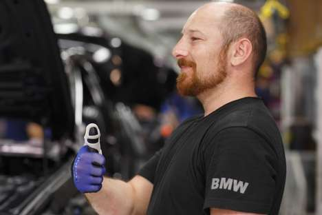 Strain-Preventing Gloves - This Protective Glove from BMW Prevents Finger Strain on Assembly Lines