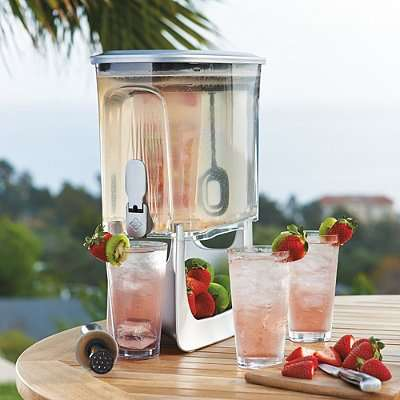 Flavor-Infusing Drink Dispensers - This Drink Dispenser Design Instantaneously Adds Fruit Flavors