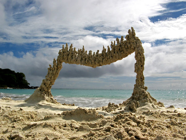 24 Beach Art Installations