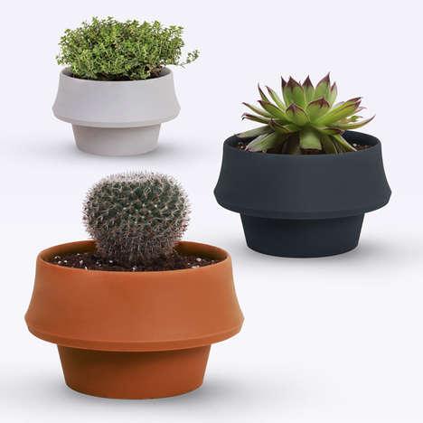 Size-Adjusting Planters
