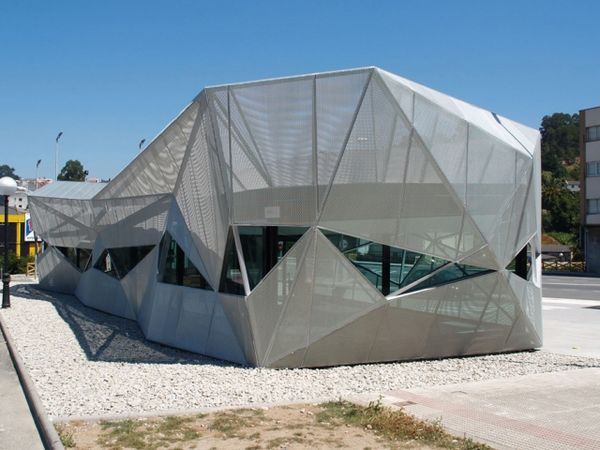 65 Sci-Fi Architecture Examples