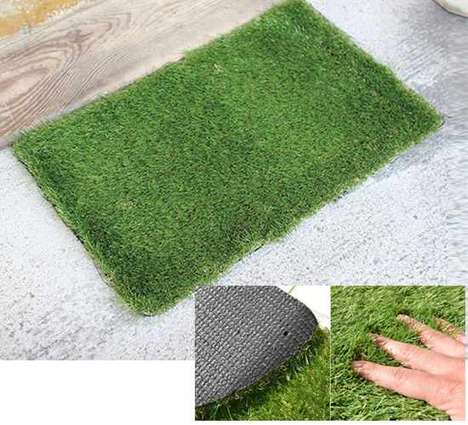 This Faux Grass Mat Design Brings a Touch of Summer to Your Home